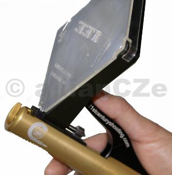 Kleště zápalkové - 21st Hand Auto Feed Priming Tool for SQUARE TRAYS with #2BR Shell Holder 21 st Century Shooting Hand Auto Feed Priming Tool for SQUARE TRAYS with #2BR Shell Holder ITEM: PT# 1205 Precizní nástroj s hliníkovým tělem a ocelovými komponenty pro ruční vkládání zápalek od specialistů z USA - 21 st Century Shooting - ruční absolutně nejlepší nástroj na trhu přebíjení