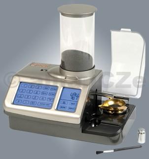 """Elektronická váha na střelný prach - Lyman GEN 5 Digital Powder System ELEKTRONICKÁ VÁHA Lyman GEN 5 Digital Powder System #7750600  Rychlé a přesné vážení s možností uložení do paměti  Maximálně """"nabitý"""" přístroj pro profesionální vážení střelného prachu se všemi možnými funkcemi - naprostá špička v oboru ! New Touch-Screen ControlsStores up to 100 Loads in MemoryExtra Large"""