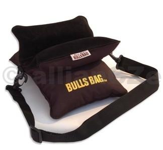 střelecký vak - BULLSBAG Field Black Bag & Strap - Filled & Unfilled autorizovaná distribuce v ČRvelkoobchod / maloobchodBULLSBAG Field Black Bag & StrapITEM: 1701luxusní měkký střelecký vak -podpěra pro střelbu s dlouhých zbraní.Provedení v černé barvěv kvalitním materiálu.Včetněpopruhu pro přenášení.Neklouzavý povrch v místěpro opěru zbraně - kožený semiš.Hmotnost:nenaplněný: 0