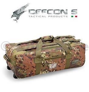 TAŠKA DEFCON5 - TROLLEY TRAVEL BAG - Vegetato Italiano DEFCON5 TROLLEY TRAVEL BAG - Vegetato ItalianoBlack  D5-XY003 VICestovní taška se dvěma koly a výsuvným dvoupolohovým kovovýmdržákem nejen pro přepravu taktického vybavení. Jedná se o vak se zadní konstrukcí a pevným dbnem