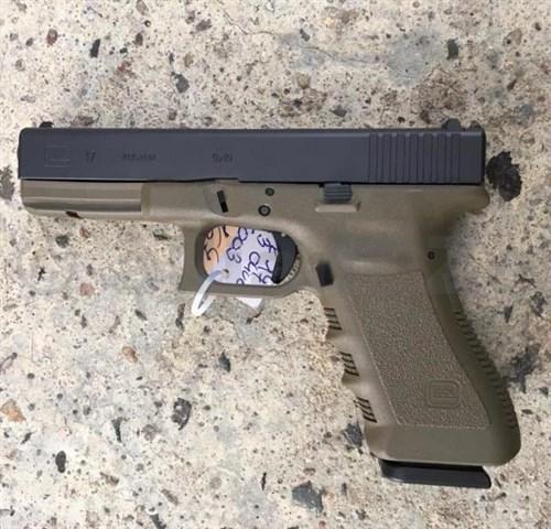 Pistole GLOCK 17 Gen4 9mm PARA - FDE GLOCK 17 4th Gen9mm PARA