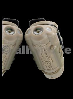 svítilna ENERGIZER HARD CASE Helmet - 633222 - khaki taktická svítilnaENERGIZER HARD CASE TacticalHELMET LIGTH - ITEM:633222Nová svítilna pro maximální využitís kvalitou a komfortem ovládánía mnoha funkcemi - schválená provyužití v NATO.délka těla: 8 cmšířka těla: 4cmvýškatěla:2