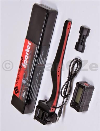 """digitální měřák rychlosti střel """"hradla"""" MagnetoSpeed SPORTER MagnetoSpeed SPORTSTER ITEM: MS-SP Měřák rychlosti střel pro dlouhé zbraně a revolvery s delší hlavní.  Rozdíl v použití a výbavě oproti modelu V3 je na obrázku výše. Chronograf kit MagnetoSpeed Sporter byl navržen pro použití na hlavně dlouhých zbraní průměru od 1/2 palce až do 1 palce. Lze použít na hlavně včetně muzzle brakes"""