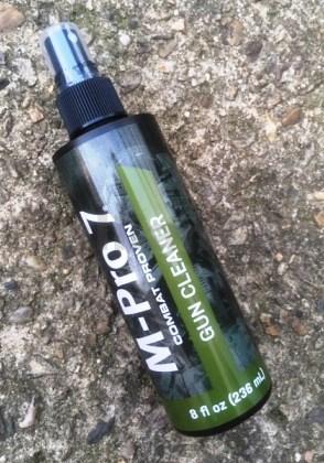 Čistící přípravek M-Pro 7 Gun Cleaner 236ml M-Pro 7 Gun Cleaner 236 ml ITEM: 0701002 plastová nádobka s mechanickým sprayem 236 ml Zásadní význam pro udržení spolehlivosti zbraně a jejího výkonu je