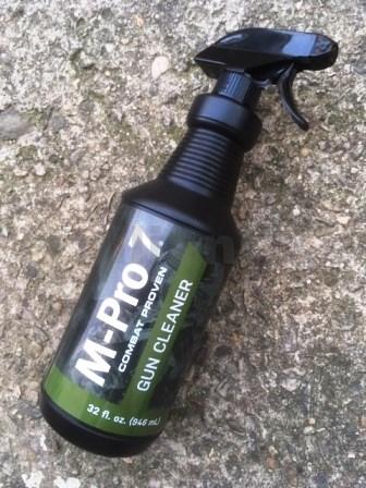 Čistící přípravek M-Pro 7 Gun Cleaner 946ml M-Pro 7 Gun Cleaner 946 ml ITEM: 945-700-001plastová nádobka s mechanickým sprayem 946 ml Zásadní význam pro udržení spolehlivosti zbraně a jejího výkonu je