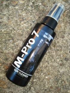 Čistící přípravek M-Pro 7 Gun Cleaner 120ml M-Pro 7 Gun Cleaner 120ml ITEM: 0701002 plastová nádobka s mechanickým sprayem 120 ml Zásadní význam pro udržení spolehlivosti zbraně a jejího výkonu je