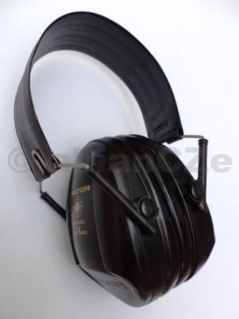 sluchátka střelecká PELTOR Bull´s Eye I H515FB - černé špičková střelecká sluchátka PELTOR Bull´s Eye I- ČERNÉ provedení - BLACK