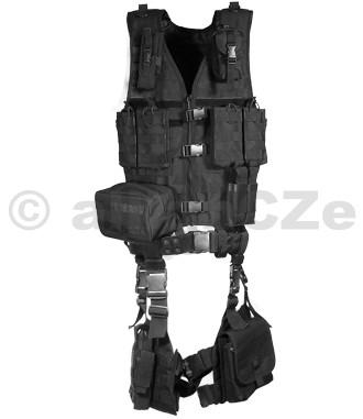 Kompletní vesta UTG Ultimate Tactical Gear Modular 10 Piece Complete Kit - Černá / Black UTG Ultimate Tactical Gear Modular 10 Piece Complete Kit - Black  Item No.: PVC-V747KTBBrand: UTG®Zcela kompletní taktický systém s velikostně univerzální a velmi odolnou polyesterovou vestou s kvalitním zapínáním. Obsahuje mnoho kapes na zásobníky a příslušenství