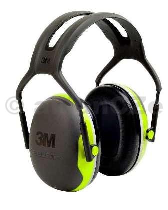 sluchátka střelecká PELTOR (3M) X4A 33dB - černo-zelená sluchátka střelecká 3M™ Peltor™ X4A černo-zelená ITEM: XA-0077-0693-1 Level ochrany: 95dB(A) - 110dB(A) Mušlový chránič sluchu Peltor X4A je určen pro ochranu sluchu v hlučném prostředí a díky velmi nízké hmotnosti poskytuje uživateli značné pohodlí
