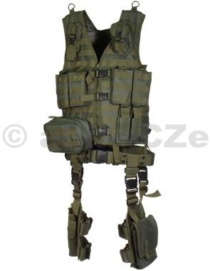 Kompletní vesta UTG Ultimate Tactical Gear Modular 10 Piece Complete Kit - Zelená / OD green UTG Ultimate Tactical Gear Modular 10 Piece Complete Kit - OD GREEN  Item No.: PVC-V747KTGBrand: UTG®Zcela kompletní taktický systém s velikostně univerzální a velmi odolnou polyesterovou vestou s kvalitním zapínáním. Obsahuje mnoho kapes na zásobníky a příslušenství