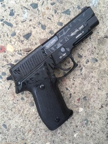 """Pistole ASTRA Arsenal 17 XM9 Tactical Unit 9mm Para 4.4"""" Pistole samonabíjecí Arsenal 17 XM9 Tactical Unit 9mm Para 4.4""""ITEM: XM9-TUŠvýcarská samonabíjecí pistole Model XM 9Kalibr 9mm Para / Luger / 9x19Délka hlavně 112 mmKapacita zásobníku je 15 nábojů (1x)Příslušenství plastová krabiceZáruka 2 rokyProdej na ZP !"""