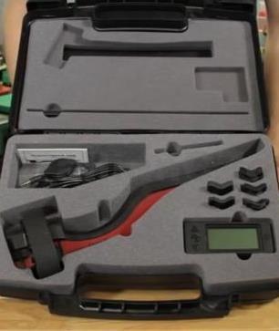 """digitální měřák rychlosti střel """"hradla"""" MagnetoSpeed V3 Ballistic Chronograph HC MagnetoSpeed V3 Ballistic ChronographHC ITEM: MSV3-HC(HC - HardCase - balení v kufříku) Poslední vylepšená podoba balistického chronografu s přímou montáží na zbraň. Technologie magnetického senzoru je patentově chráněna. Vysoce přesný"""